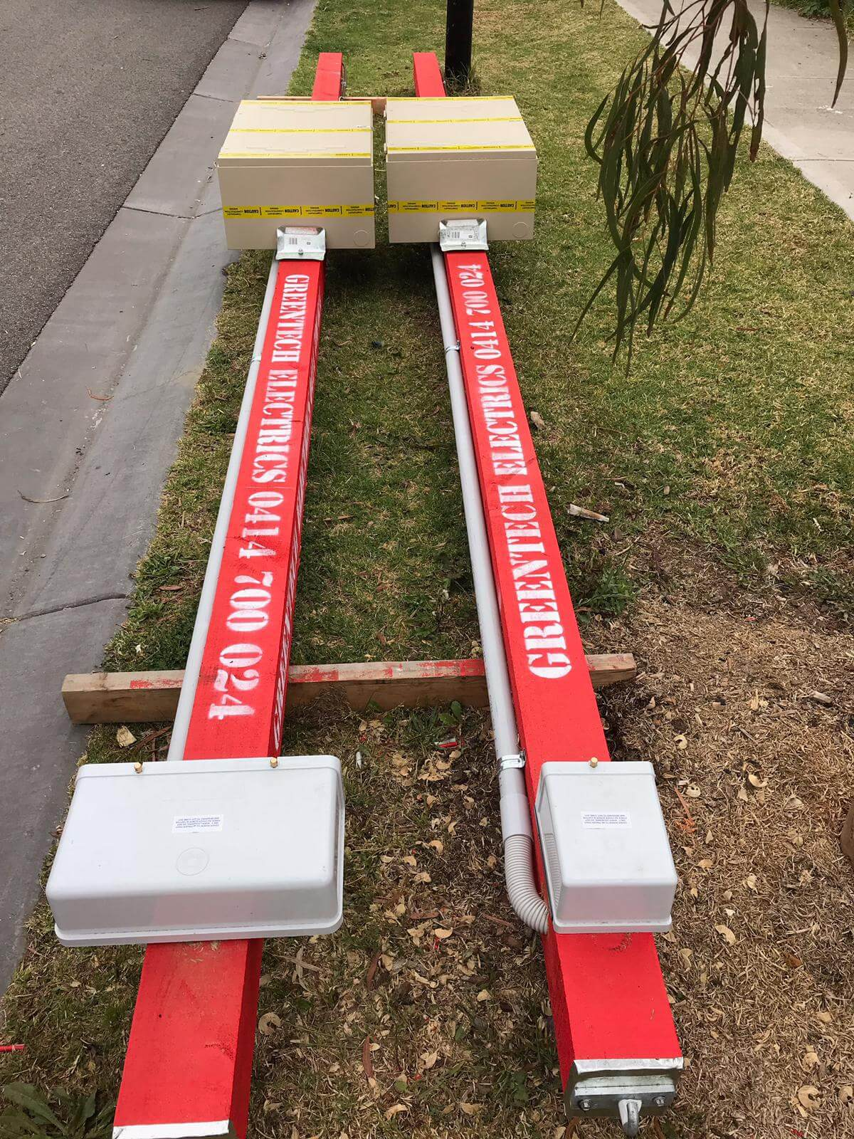 We installed temporary Power Pole in Bentleigh Vic